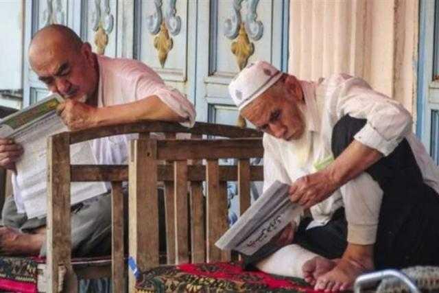 الغارديان: الصين تمحو هوية الإيغور المسلمين