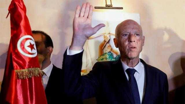 قيس سعيد يعلن فوزه برئاسة تونس