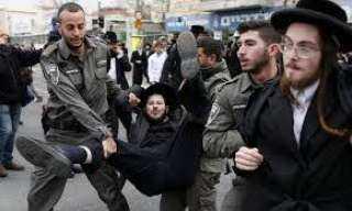 فلسطين ... اشتباكات عنيفة بين يهود متدينين وشرطة الاحتلال